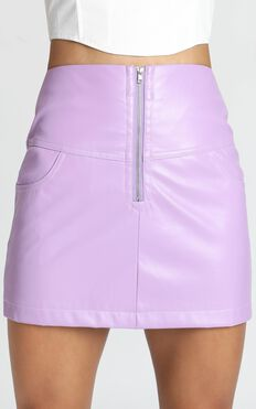 Hot Pursuit Skirt In Lilac