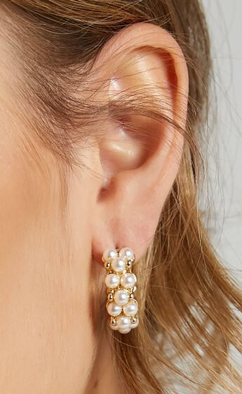 Everything I Do Earrings in Pearl