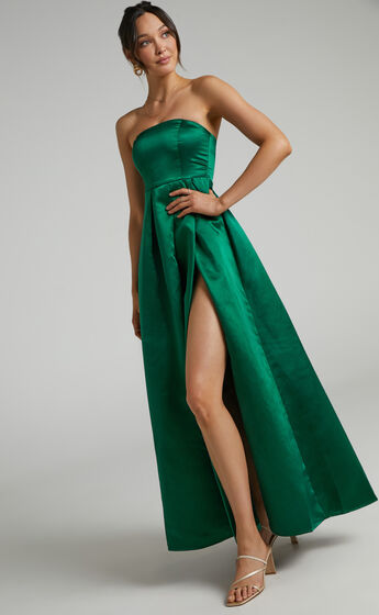 Queen Of The Show Strapless Maxi Dress in Emerald Satin