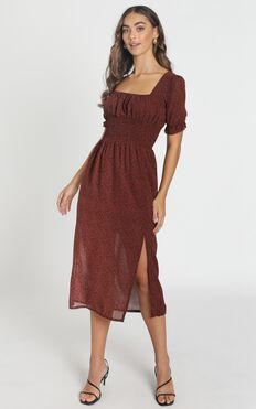Stella Shirred Waist Midi Dress In Wine Floral