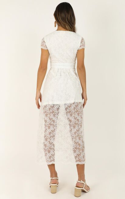 She Dances Across The Porch Dress In white lace - 20 (XXXXL), White, hi-res image number null