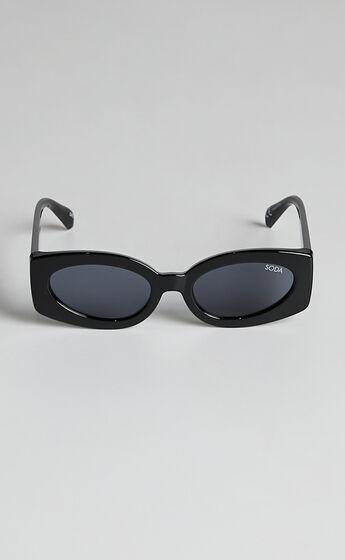 Soda Shades - Steph Sunglasses in Black