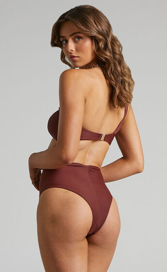 Alon High waisted Bottoms in Chocolate