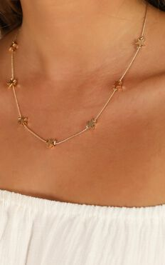 Time For Heroes Necklace In Gold
