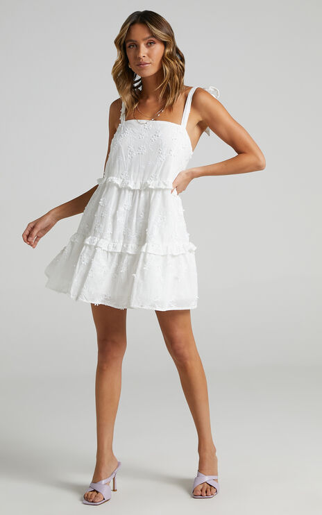 Alimia Dress in Textured White Floral