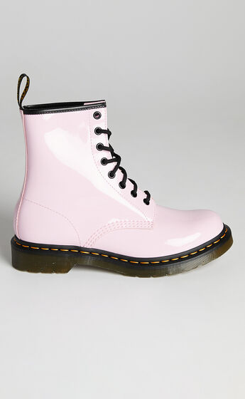 Dr. Martens - 1460 W 8 Eye Boots in Pale Pink Patent Lamper