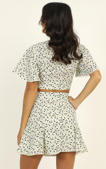 Cool Concept two piece set in white floral - 14 (XL), White, hi-res image number null