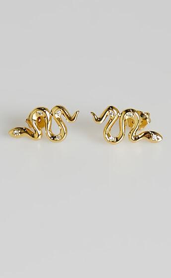 Izoa - Snake Stud Earrings in Gold