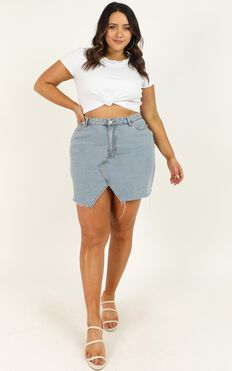 Love Its Clear Skirt In Light Blue Wash Denim