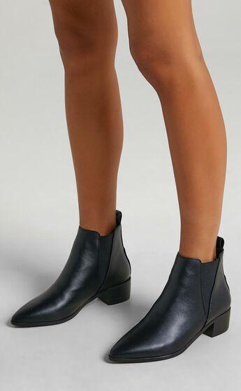 Billini - Bryton Boots in Black