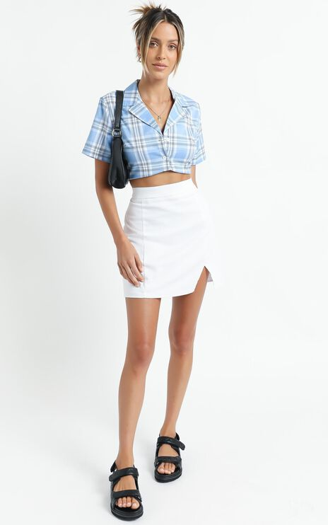 International Babe Skirt in White Linen Look