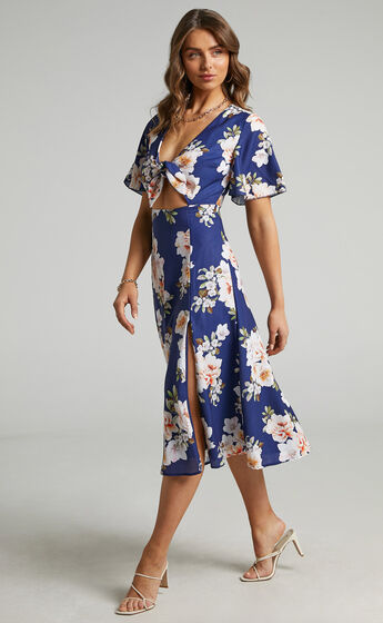 Wild And Free Mind Midi Dress in Royal Floral