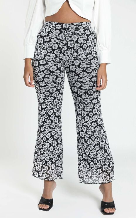 Erin Mesh Pants in Navy Floral