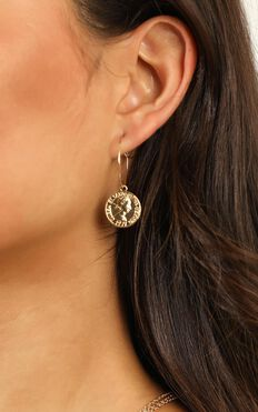 Rich Girl Earrings In Gold