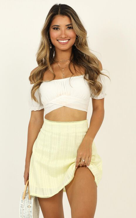 Ask The World Skirt In Yellow