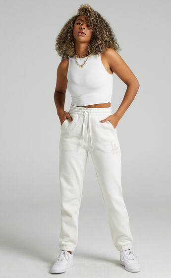 Majestic - Baggy LA Dodgers Logo Trackpants in White Sand