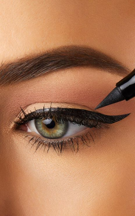 The Quick Flick - Modest 10mm Wing Eyeliner in Black