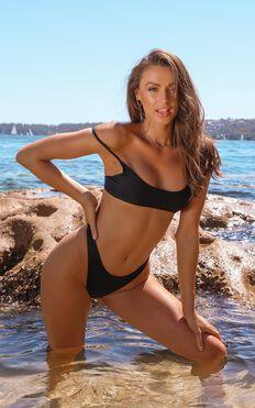 Lilah Bikini Bottoms In Black