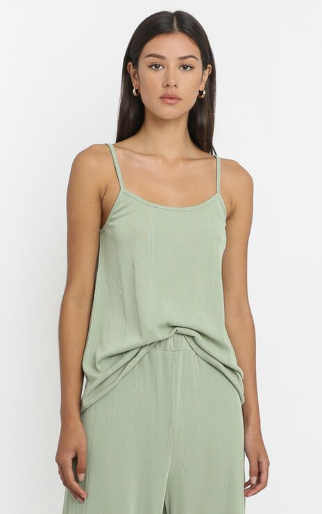 Shallow Singlet in Olive