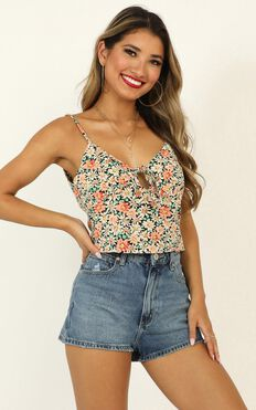 Tuscan Sun Top In Black Floral