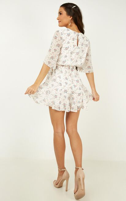 New Memories Playsuit in white floral - 20 (XXXXL), White, hi-res image number null