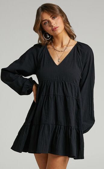 Harriette Tiered Long Sleeve Mini Shift Dress in Black