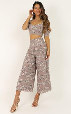 Greatness Two Piece Set In Mauve Floral