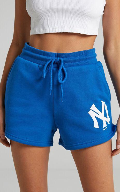 Mitchell & Ness - Cali Fleece Short Yankees in Balenine Blue