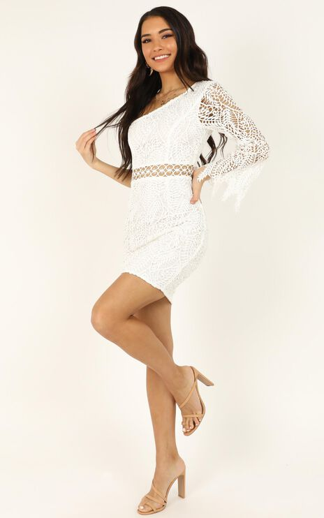 Wonderful Life Dress In White Lace