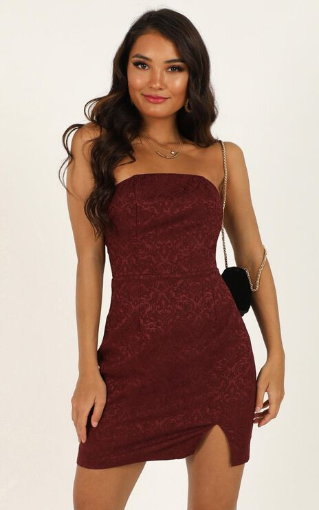 Its Too Late Dress In Wine Jacquard