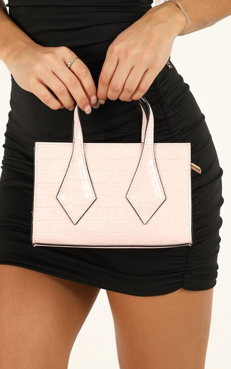 Wake The City Micro Bag In Baby Pink