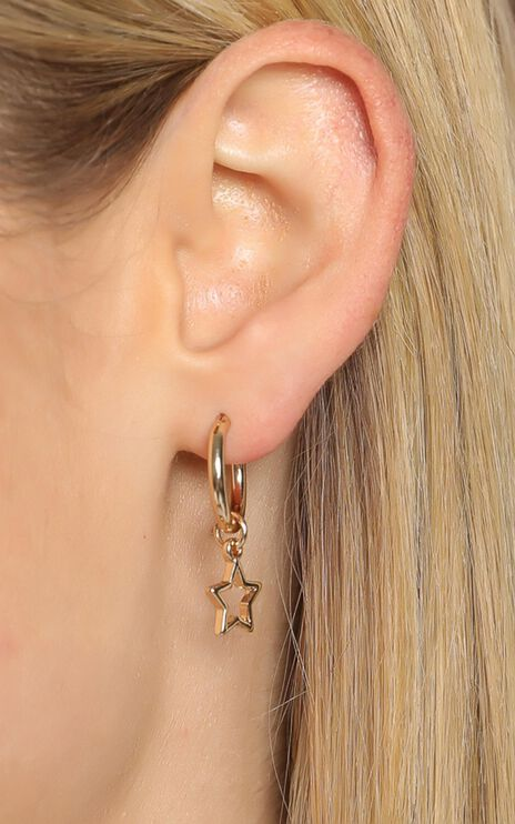 Bonnie Earrings in Gold