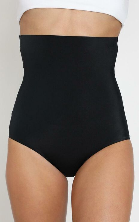 Seamless Shaping Brief - Light Control in Black