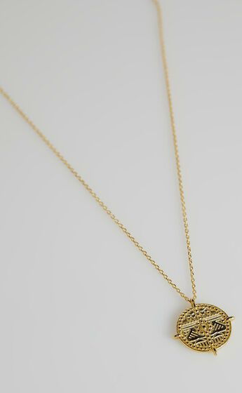 Izoa -  Ancient City Coin Necklace in Gold Pearl
