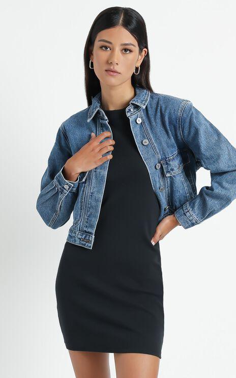 Abrand - A Millie Denim Jacket in Austin Blue