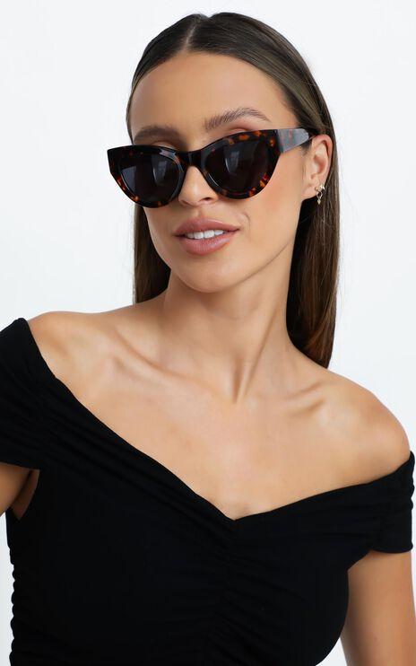 Luv Lou - The Jayde Sunglasses in Tort