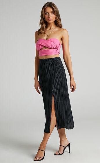 Bek Plisse Side Split Skirt in Black