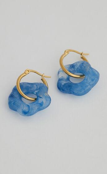 Kylie Flower Earrings in Blue