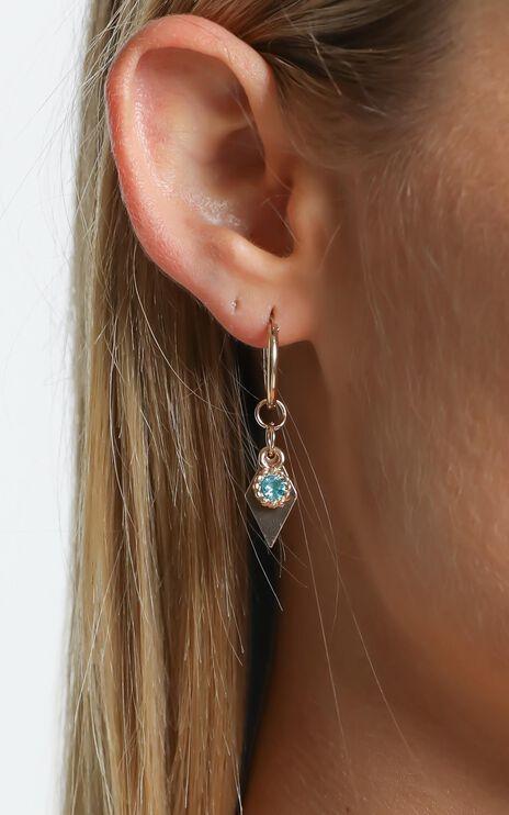 Taina Earrings in Gold