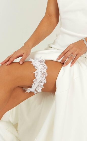 The Moment For Me And You Eyelash Lace Garter in White