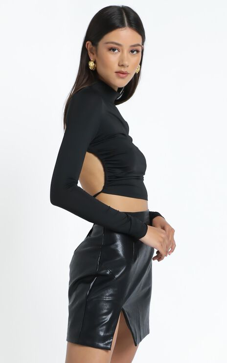 Lioness - Greenwich Backless Top in Black