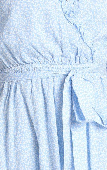 Novah Frill Detail Flippy Dress in blue floral - 14 (XL), Blue, hi-res image number null