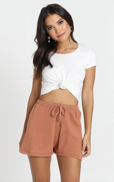 Hartley Knitted Shorts In Tan