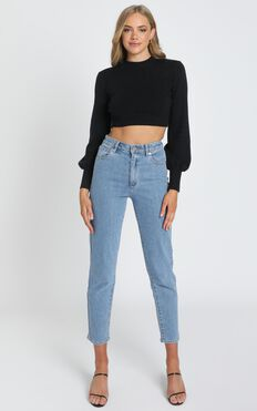 Jeni Cropped Knit Jumper in Black
