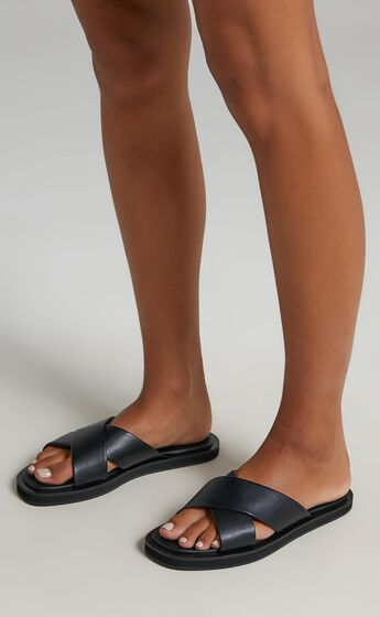 Therapy - Rosey Slides in Black