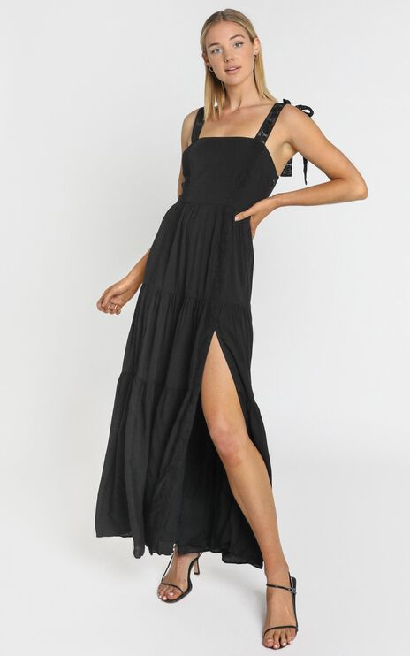 Afternoon Stroll Maxi Dress in Black