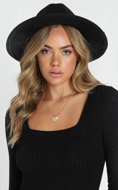Lara Felt Hat in Black