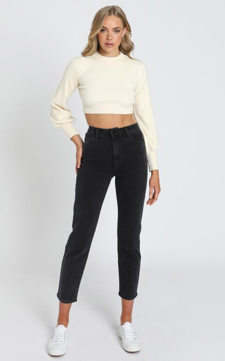 Jeni Cropped Knit Jumper in Beige
