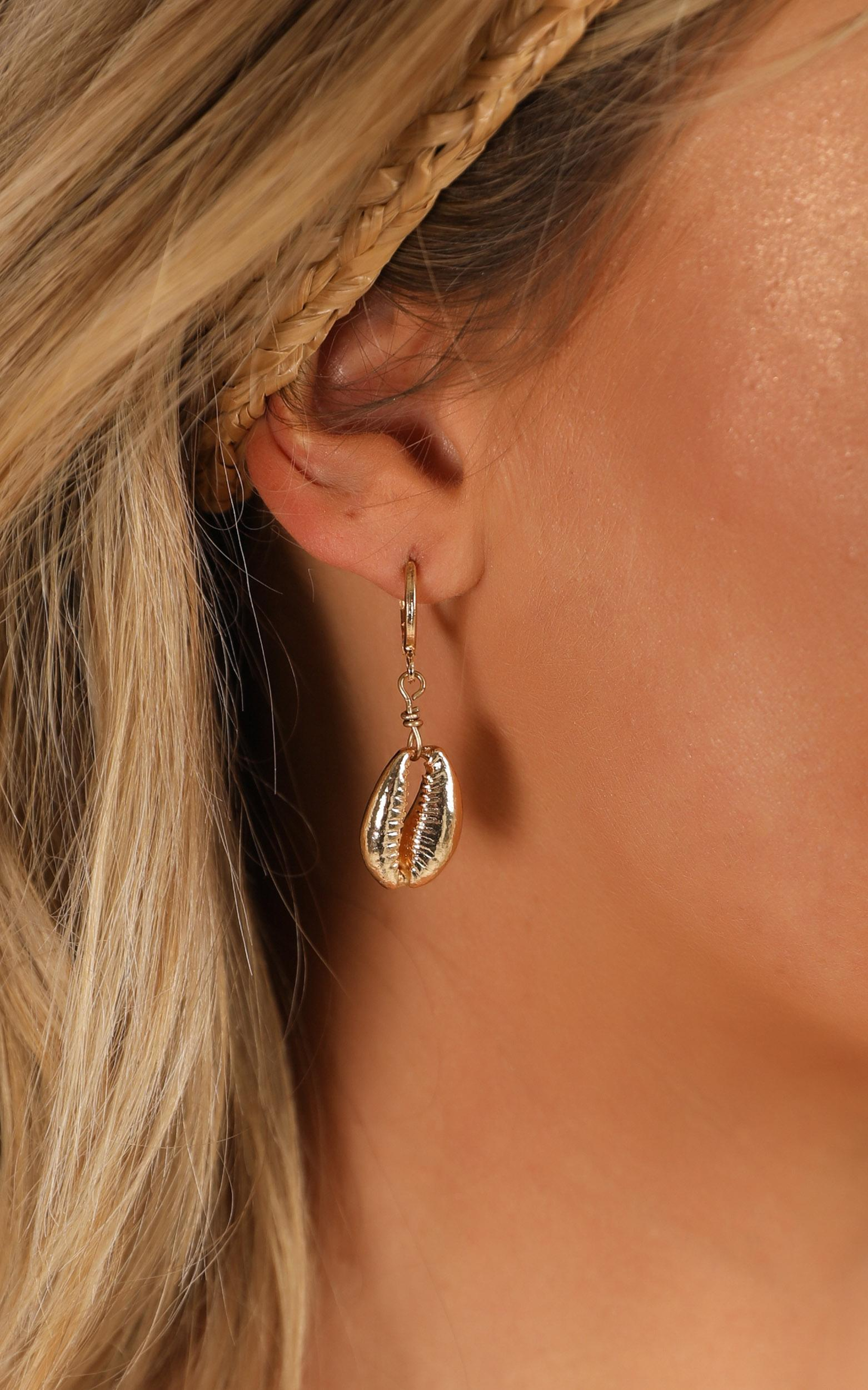 No Hesitation Earrings Set In Gold, , hi-res image number null