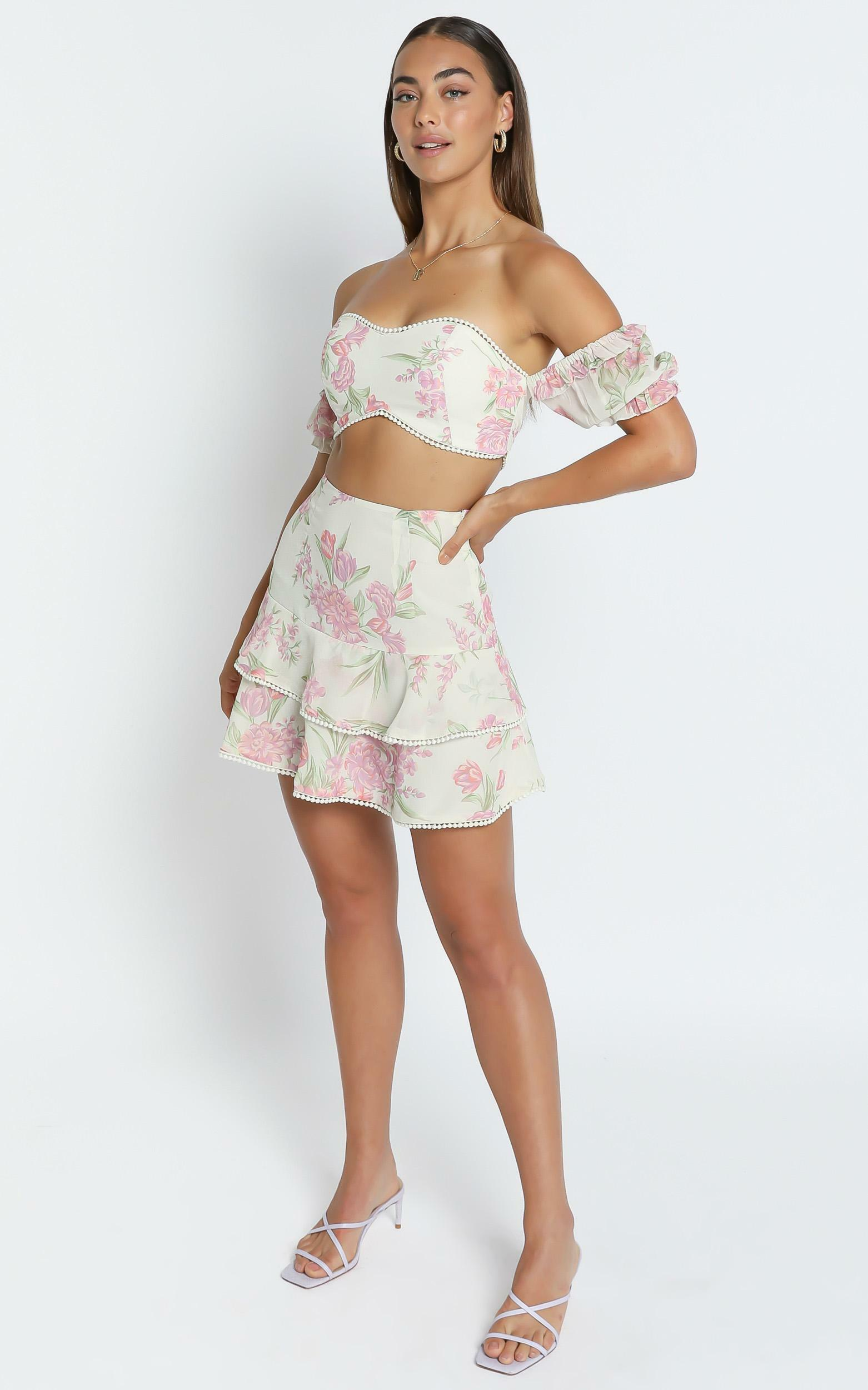 Final Resort Two Piece Set In Cream Floral - 4 (XXS), Cream, hi-res image number null